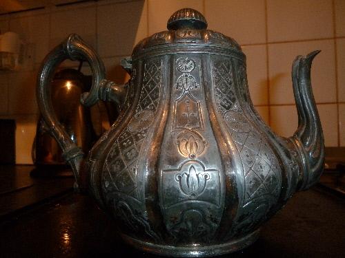 silver tea pot(1).JPG
