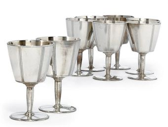 a_set_of_eight_american_silver_liqueur_cups_mark_of_tiffany_and_co_new_d5327165h.jpg