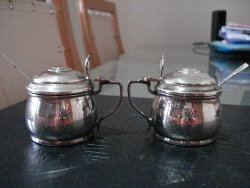 Silver mustard pots 010.JPG