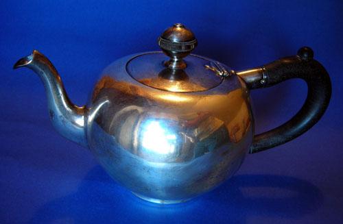 tea pot cropped.jpg