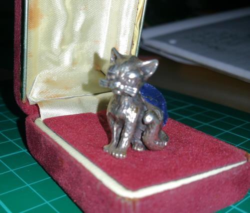silver cat.jpg