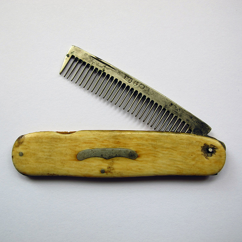 Is this a folding beard comb? - What is it? - Silver