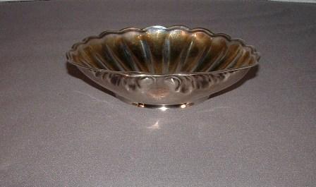 Tiffany Shell Dish, side - Copy.JPG